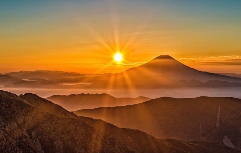 clouds-dawn-desert-407039